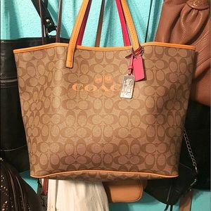 Beautiful Coach Carry-all Oversized Bag